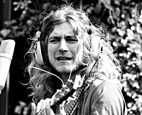 Zeppelin recording outdoors w/out windscreens-robert-plant-1972.png