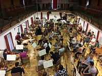 Recording an orchestra in a wide room-e9fdb8fb-f6bd-4092-8eaa-4c07f62e0ae4_1_105_c.jpeg