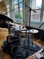 Pictures of Mic'ed Up Drum Kits Captured On Location or During Live Concert Scenarios-samtsui-trapset.jpg