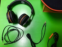Orange O Edition Headphones-accessories.jpg