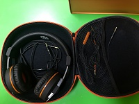 Orange O Edition Headphones-case-open.jpg