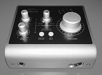 Audient iD4-id4-front.jpg