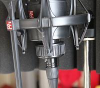 sE Electronics X1 S Bundle-gs-x1s-cradle.jpg