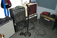 Pictures of Mic'ed up GUITAR CABS-amps.jpg