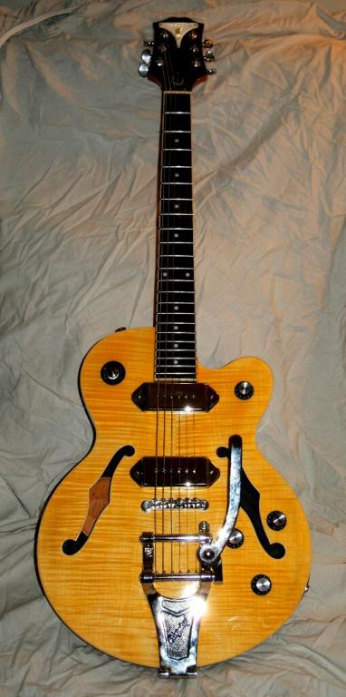 Epiphone vintage guitars general info and collecting. Private vintage guitar collector. Pictures, history for epiphone vintage guitars. Contact the Vintage Guitar Info Guy.
