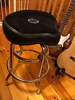 bar stool for playing guitar sitting-979fd480-722f-4763-808d-cb1f27cc39a5.jpg