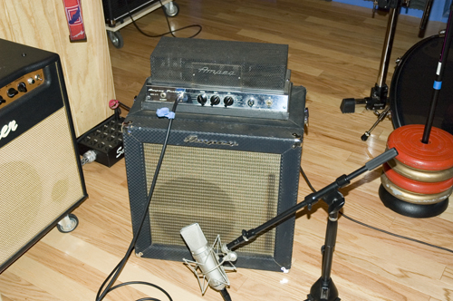 small tiny bass amp only for recording page 2 gearslutz pro audio community. Black Bedroom Furniture Sets. Home Design Ideas