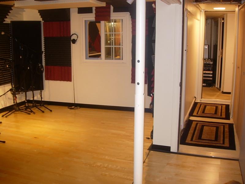 8 X 10 Room 8x10 drum room or keep live room open? - gearslutz pro audio community