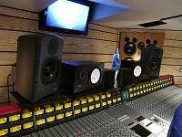 Jules visit to SSL demo day at Flood and Alan Moulder's Assault & Battery 2 studio-img_2035.jpg
