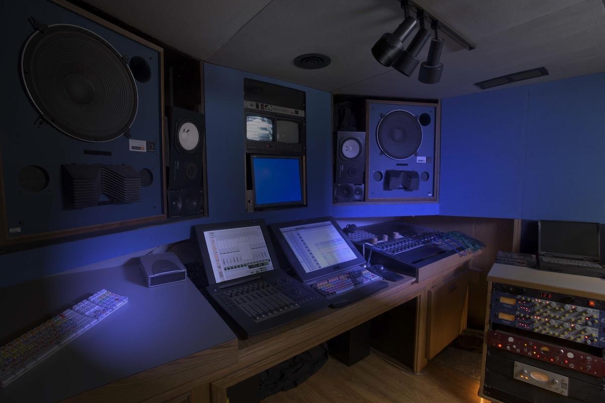 huge in wall 15 39 speakers for studios gearslutz pro audio community. Black Bedroom Furniture Sets. Home Design Ideas