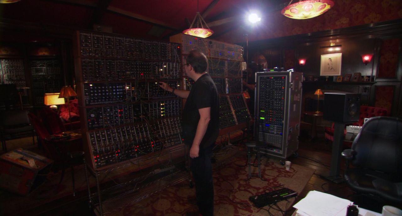 Can Someone Id Hans Zimmer S Monitors Gearslutz Com