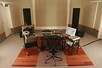 Deluxe Mastering opens in Melbourne-tony1.jpg