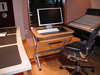 looking for a side desk to put monitor on-desk.jpg