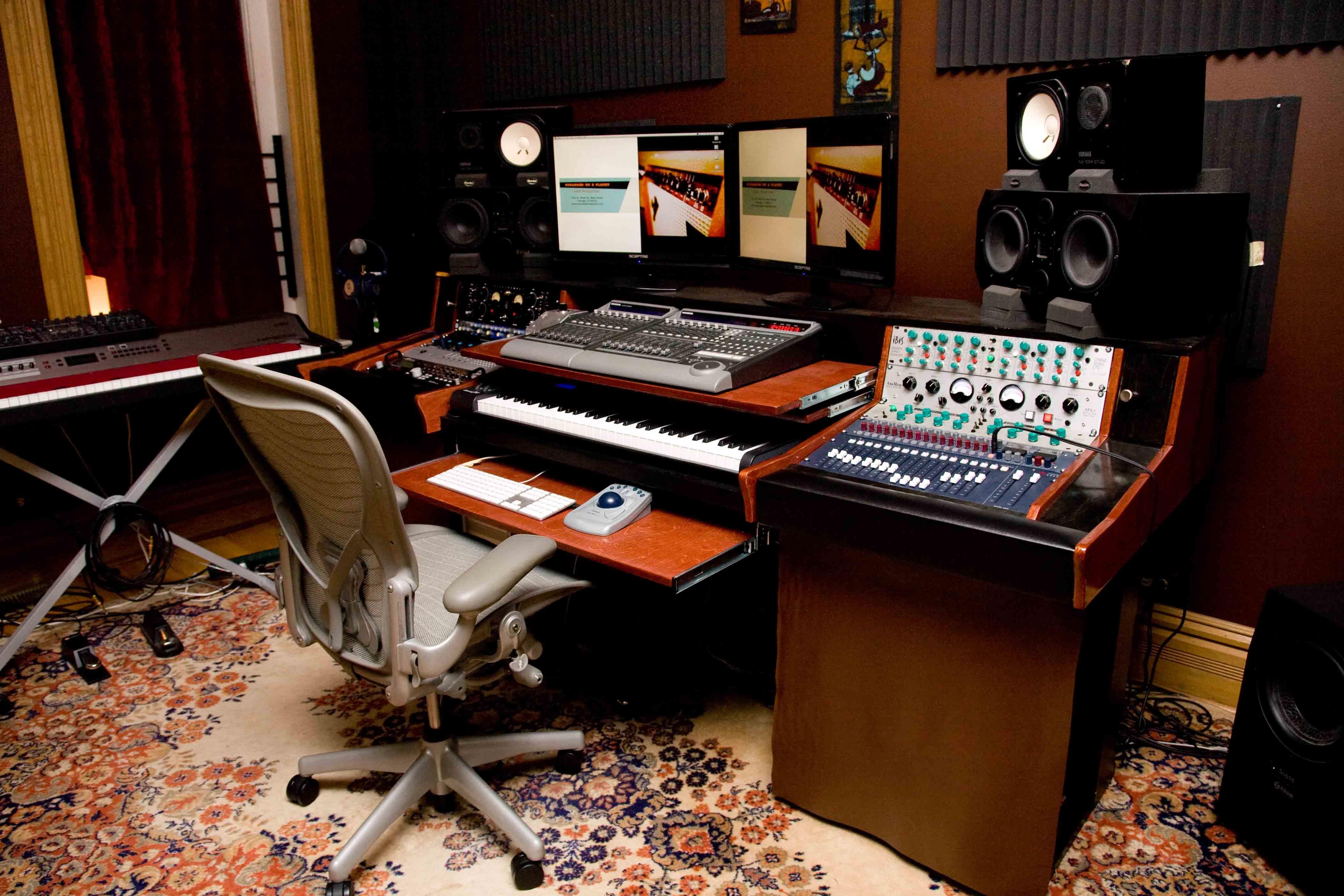 Fabulous Finally Building My New Studio Desk Gearslutzcom Studiofix Home Largest Home Design Picture Inspirations Pitcheantrous