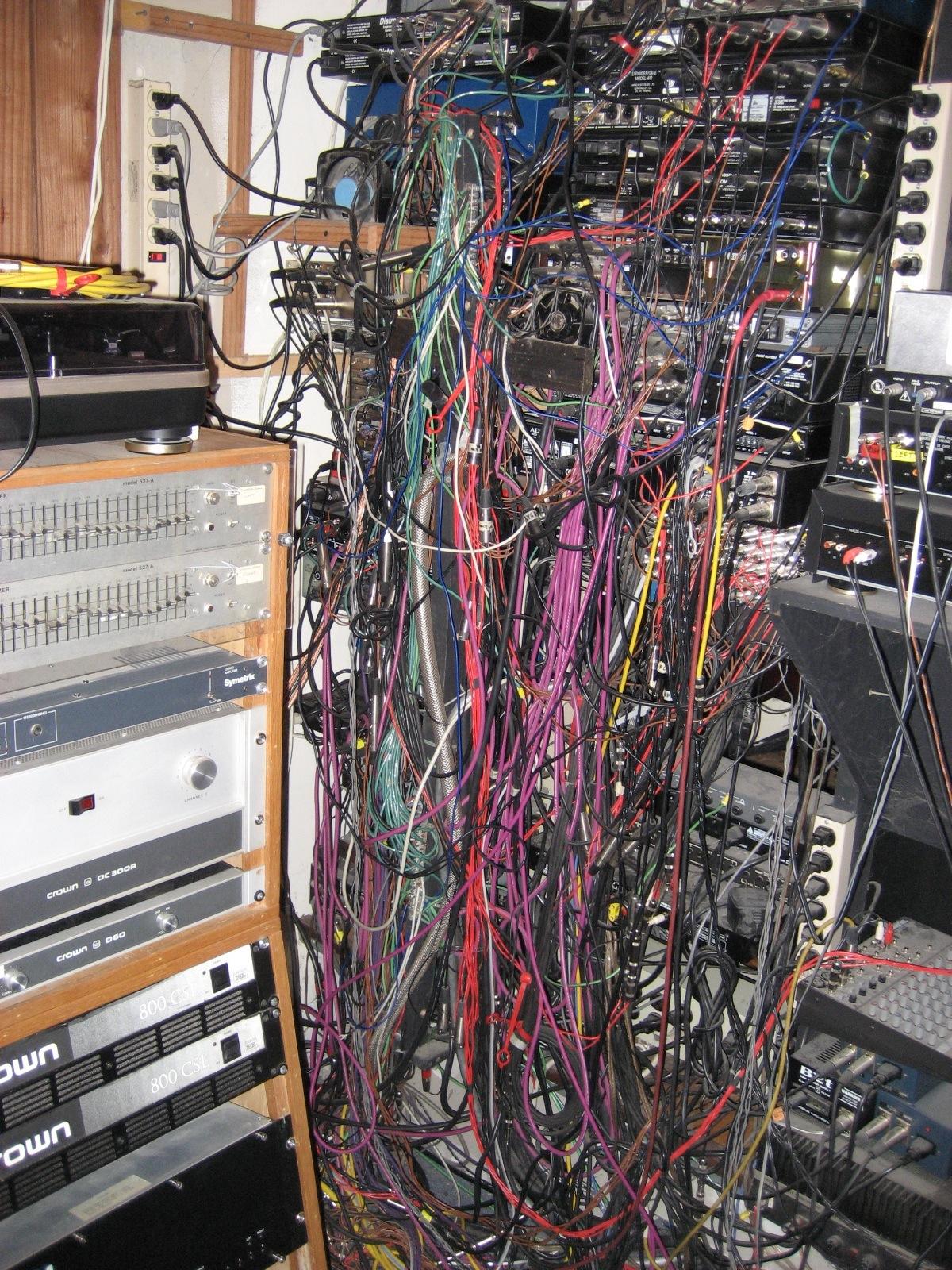 post  slutty messy studio pics gearslutz pro audio