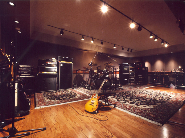 slash 39 s guitars use your illusion album 39 s mic 39 s pre 39 s and any other info gearslutz pro audio. Black Bedroom Furniture Sets. Home Design Ideas