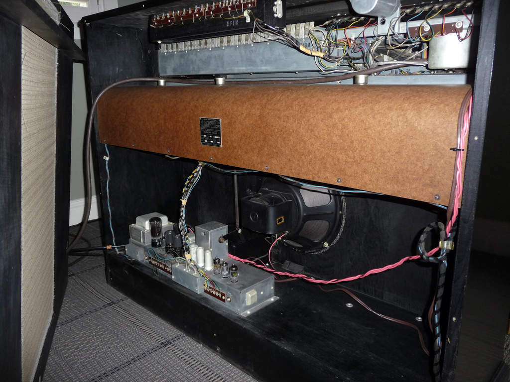 Connecting a Leslie to my M3 - The Organ Forum