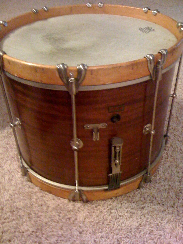 ... Any insight on my vintage Ludwig Marching Snare?-photo-2-.jpg