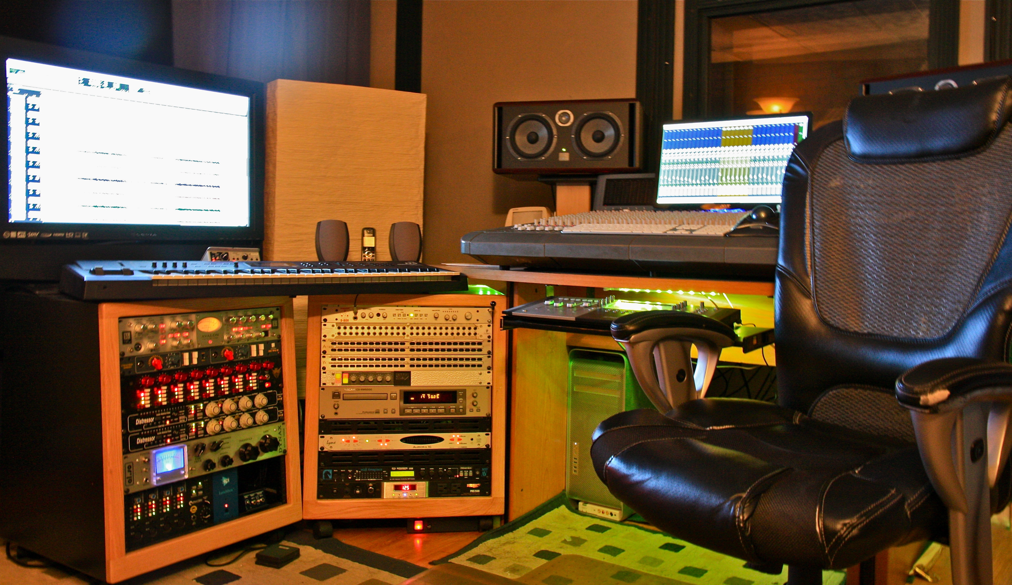 Show me your studio 2011 no setup too small page 25 for Small room 9 paging ground control