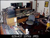 Grohl's studio, what's on the rack?-dcp00801-1.jpg