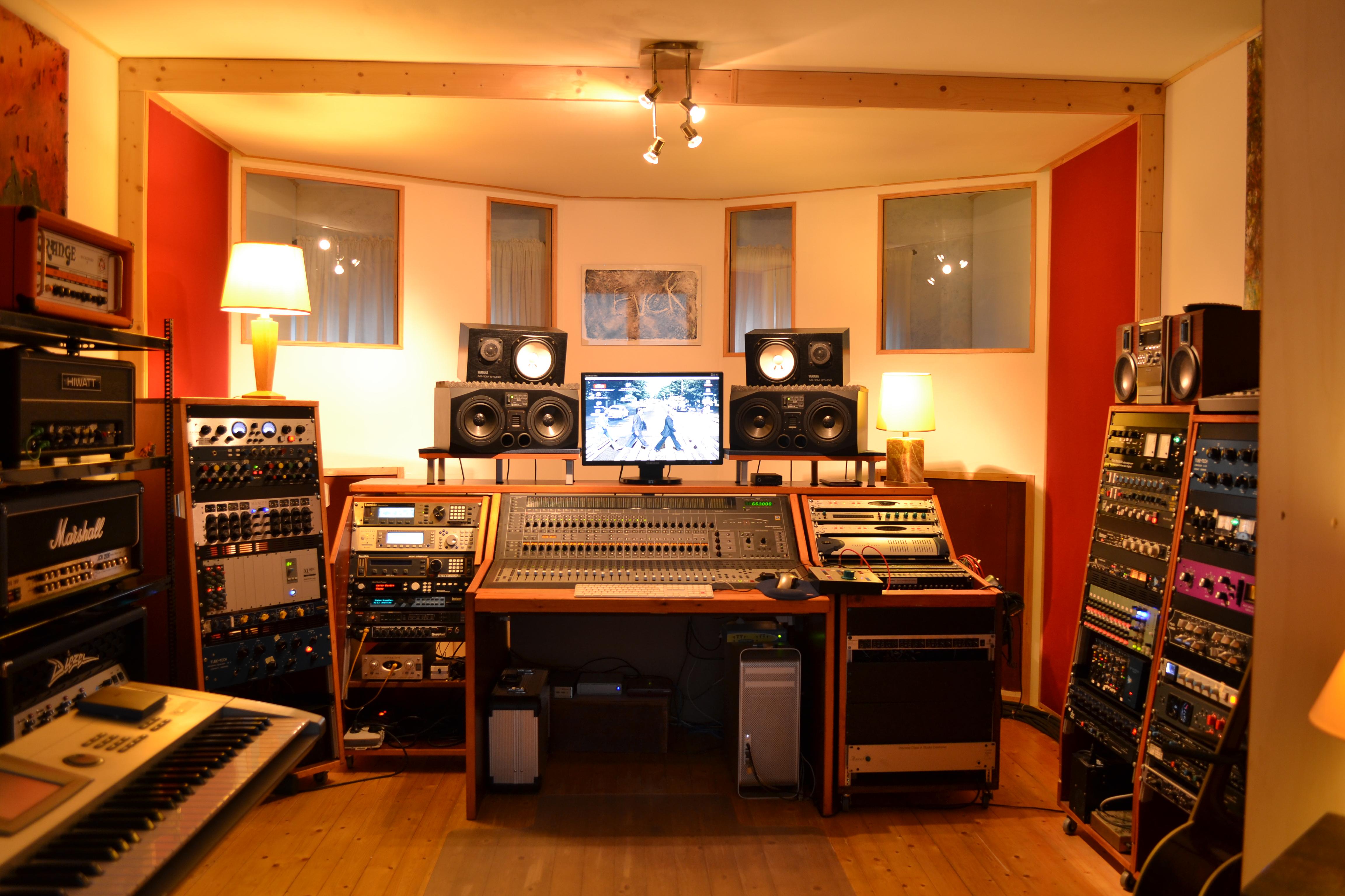 Show me your studio 2011 no setup too small page 29 for Small recording studio plans