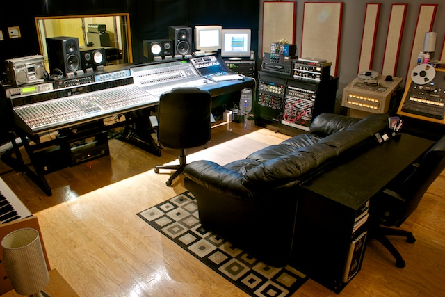 Show me your studio 2011 no setup too small page 31 for Small room 9 paging ground control