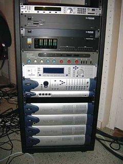 """I don't need any freakin' 2"""" Tape, I've got this...-pt.jpg"""