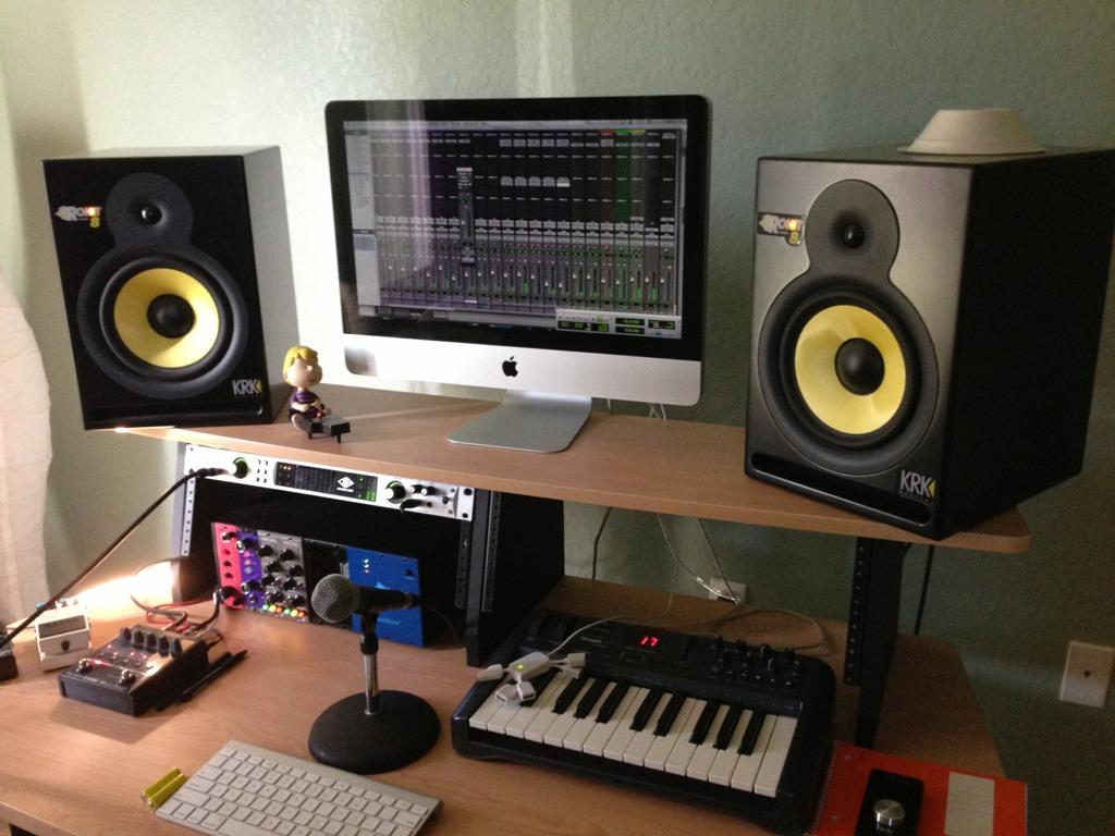 Show Me Your Studio 2013 No Setup Too Small Page 2