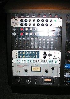 """I don't need any freakin' 2"""" Tape, I've got this...-rack1.jpg"""