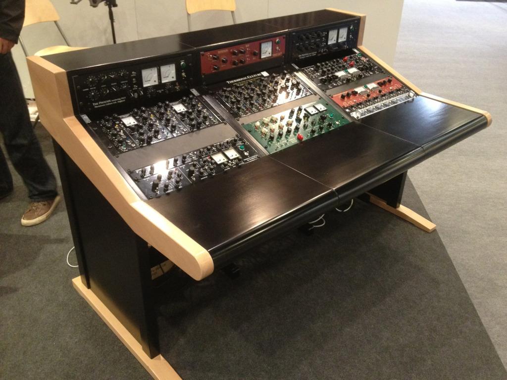 Buso audio studio furniture gearslutz pro audio community for Studio furniture