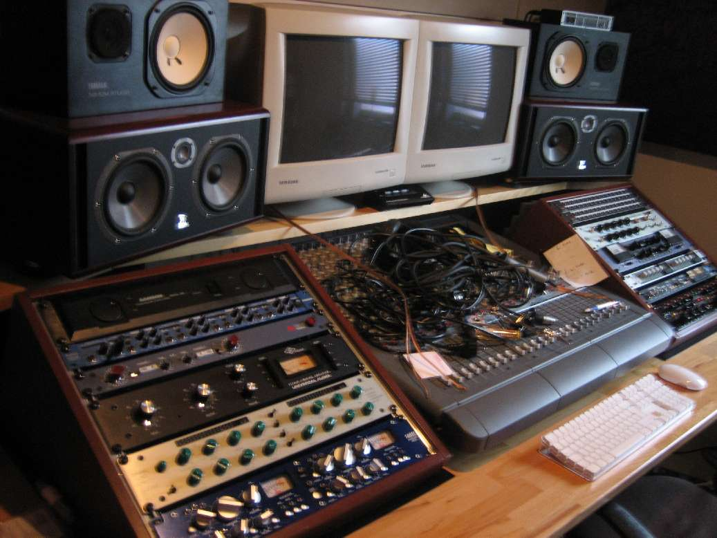 35672d1179789720 show me your rack home studio 2007 slutt So, a big thank you to Tara Lynn of YarnOverMovement for such a fantastic ...