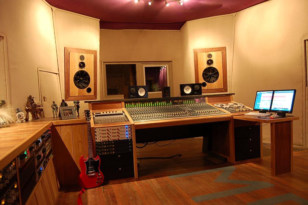 Show Me Your Homemade Or Custom Made Console Studio Furniture No Premade Bought
