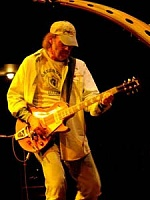 Cool mic stands-neilyoung2.jpg