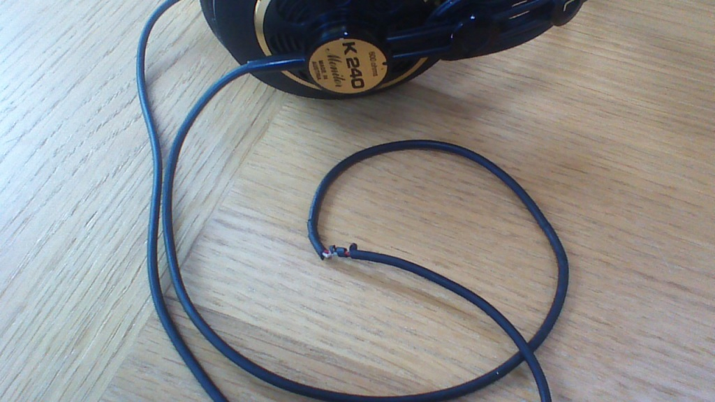 AKG K240 Studio - no sound in left speaker  Replacement? - Gearslutz