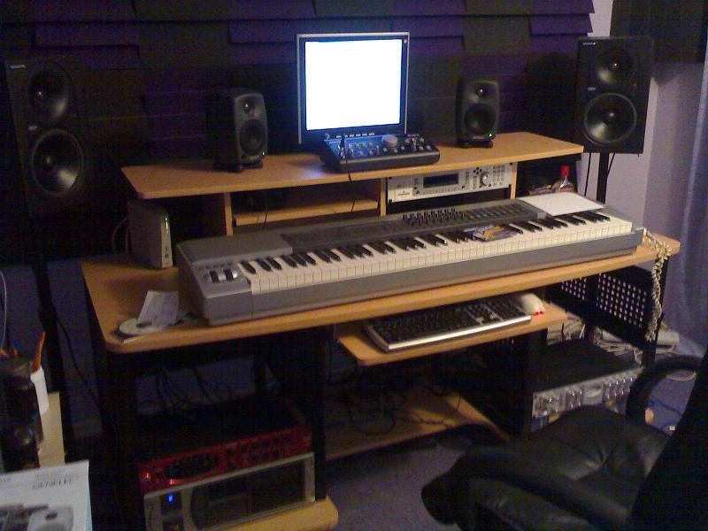Mounting Mackie Control Universal Pro To Studio Rta