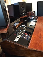 Show us pictures of your DAW workstation/desk set up.-img_6326.jpg