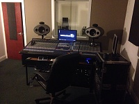 Best Studio monitors for a small room under £1000??-image_4941_0.jpg