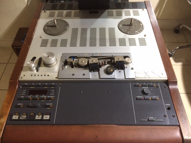 Help with Studer A807: power on, forward and rewind but not