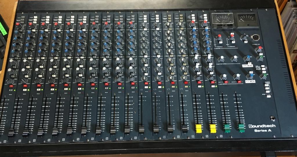 soundtech series a users noisey as a summing mixer gearslutz rh gearslutz com