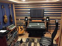 Show us pictures of your DAW workstation/desk set up.-img_0217.jpg