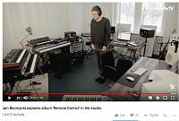 Can anyone help me recognize these synths? :)-synths2.jpg