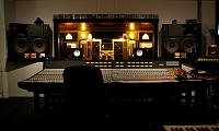 "Does analog gear really sound ""better"", or is it just a learned response?-dda-desk-.jpg"