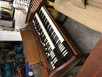 Which Hammond organ is this?-cf3c35c7-6333-402b-b60c-52462a188991.jpg