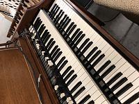 Which Hammond organ is this?-bbb99ea9-17fd-4823-aecf-267ddcef23e8.jpg