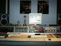 Making the Mixerless Studio LOOK COOL-desk.jpg