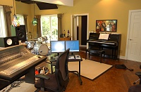 Anyone have a one room studio? Pros and Cons?-studio3.jpg