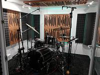 Very Small, well treated Drum Room - OH Mic Search/Opinions-kabine-1.jpg
