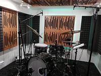 Very Small, well treated Drum Room - OH Mic Search/Opinions-kabine-2.jpg