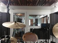 Very Small, well treated Drum Room - OH Mic Search/Opinions-kabine-3.jpg