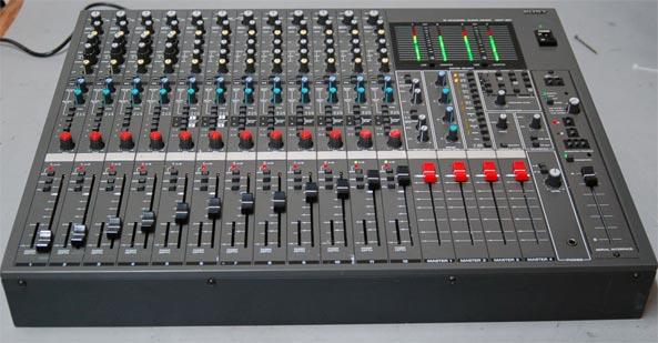 Soundcraft Spirit M 12 Vs Sony Mxp 390 Or Itb Lynx Mixer